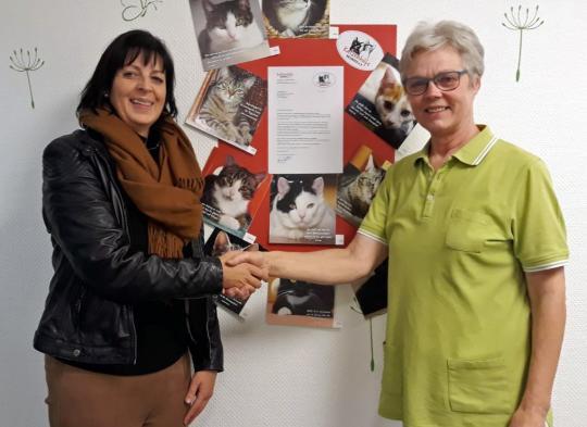 Großzügige Spende der ZahnarztpraxisClever-Fischer für die Katzenhilfe Neuwied